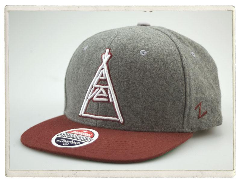 éveil X Zephyr Snap Back Hat